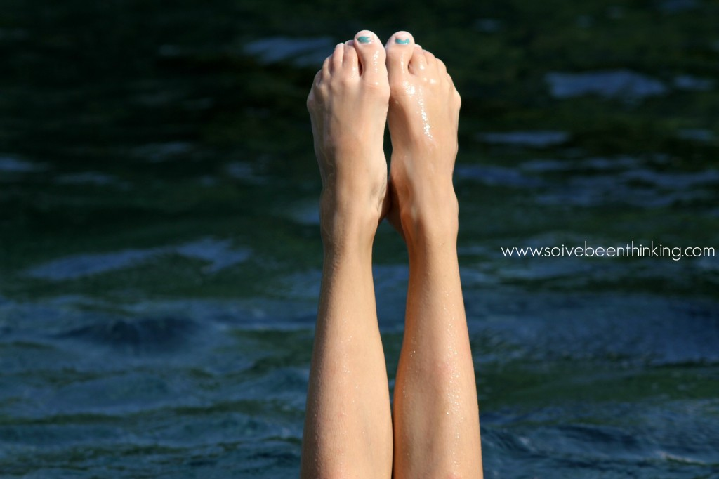 three simple steps for better pictures at the beach, toes in the water